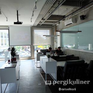 Foto 8 - Interior di WINC Collaborative Space & Cafe oleh Darsehsri Handayani