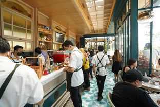 Foto 2 - Interior di Monsieur Spoon oleh IG: FOODIOZ