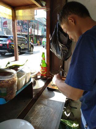 Foto 3 - Interior di Soto Kuning Bogor Pak Yusup oleh deasy foodie