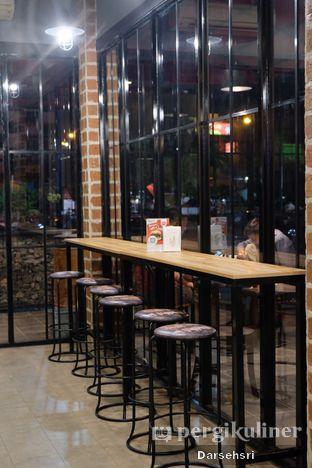 Foto 5 - Interior di Klenger Burger oleh Darsehsri Handayani