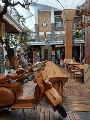 Foto review Equator Coffee & Gallery oleh Mouthgasm.jkt  1