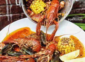 7 Seafood Platter Jakarta yang Pas Untuk Disantap Ramai-ramai