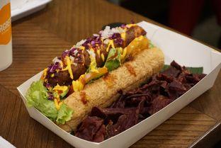 Foto 3 - Makanan(Vegan hotdog) di Burgreens Express oleh Elvira Sutanto