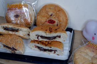 Foto 3 - Makanan di Honeybun Bakery & Cake oleh Deasy Lim