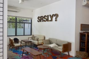 Foto 21 - Interior di SRSLY Coffee oleh yudistira ishak abrar