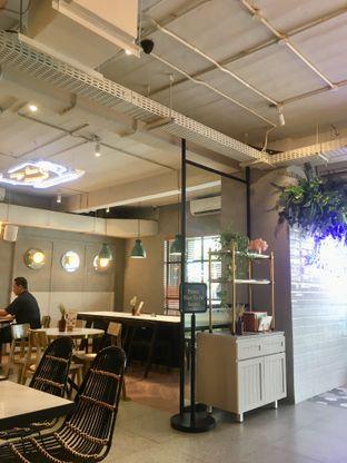 Foto 21 - Interior di Phos Coffee & Eatery oleh Prido ZH