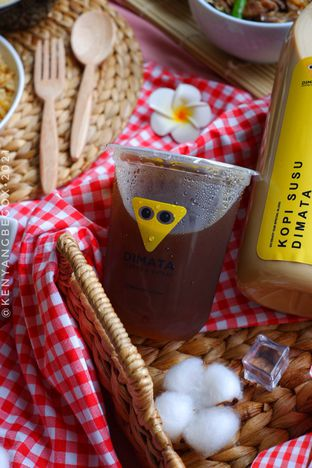 Foto review Dimata Coffee and Eatery oleh Vionna & Tommy 5