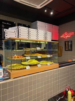 Foto 8 - Interior di Sliced Pizzeria oleh Levina JV (IG : @levina_eat & @levinajv)