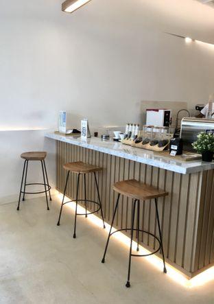 Foto 24 - Interior di Aiko Coffee oleh Prido ZH