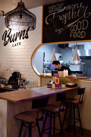 Foto 14 - Interior di Burns Cafe oleh yudistira ishak abrar