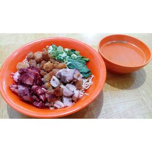 Foto 1 - Makanan(Mie Kecil mix 3 topping) di Mie Benteng oleh melisa_10