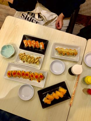 Foto review Salad & Sushi 368 oleh Grace Yohana 1
