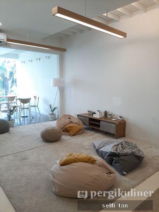 Foto 5 - Interior di Aiko Coffee oleh Selfi Tan