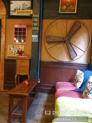 Foto 6 - Interior di Giyanti Coffee Roastery oleh JC Wen