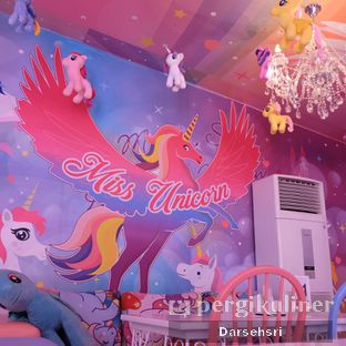 Foto 10 - Interior di Miss Unicorn oleh Darsehsri Handayani