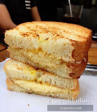 Foto 3 - Makanan di Roti Eneng oleh Angie  Katarina