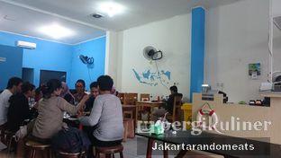 Foto 4 - Interior di Perang Kerang - Barbarian Seafood House Restaurant oleh Jakartarandomeats