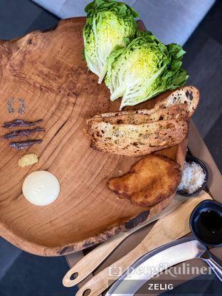 Foto 5 - Makanan(Romaine) di Animale Restaurant oleh @teddyzelig