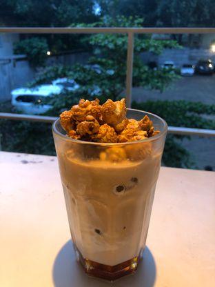 Foto 1 - Makanan(Popcorn Latte) di DIDAGO Cafe oleh syandra adivia