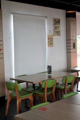 Foto 6 - Interior di Bounce Cafe oleh Prido ZH