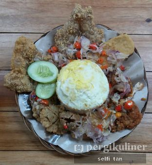 Foto 1 - Makanan di Bakso & Ayam Geprek Sewot oleh Selfi Tan