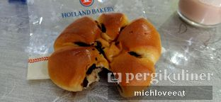 Foto review Holland Bakery oleh Mich Love Eat 3