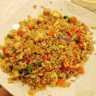 Foto 3 - Makanan(Nasi Goreng) di Bakmi GM oleh duocicip