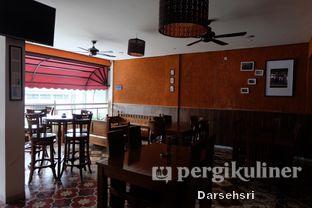 Foto 14 - Interior di Mandailing Cafe Bistro oleh Darsehsri Handayani