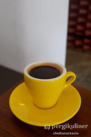 Foto 2 - Makanan(Hot Americano) di Routine Coffee & Eatery oleh Shella Anastasia