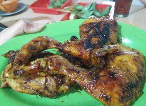5 Ayam Bakar Kelapa Gading yang Bakal Buat Kamu Ketagihan