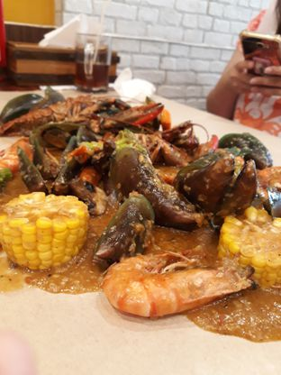Foto 2 - Makanan di Cut The Crab oleh Maissy  (@cici.adek.kuliner)