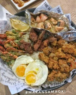 Foto 1 - Makanan di The Manhattan Fish Market oleh @makansamaoki
