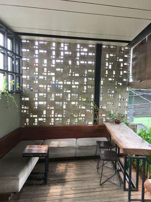 Foto 9 - Interior di Fillmore Coffee oleh Prido ZH