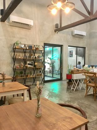 Foto 1 - Interior di Kona Koffie & Eatery oleh Prido ZH