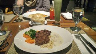 Foto - Makanan di Atmosphere oleh Nafisa Alfi Salma
