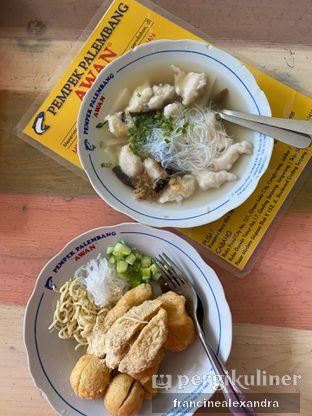 Foto 1 - Makanan di Pempek Palembang Awan oleh Francine Alexandra