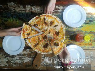 Foto 1 - Makanan(BBQ Meet Lovers Pizza Reguler) di The Forest oleh dinny mayangsari