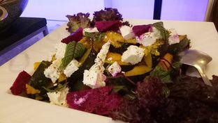 Foto 7 - Makanan(salad) di Sailendra - Hotel JW Marriott oleh maysfood journal.blogspot.com Maygreen