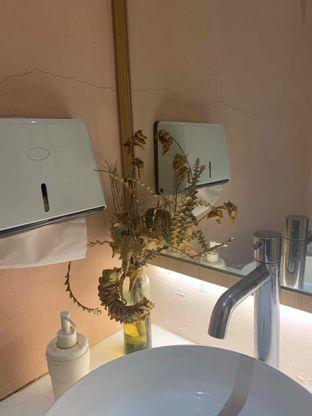 Foto 7 - Interior di Fuku Japanese Kitchen & Cafe oleh Alya Samadikun