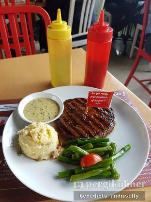 Foto 5 - Makanan di Steak Hotel by Holycow! oleh ig: @andriselly