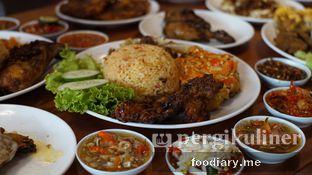 Foto 4 - Makanan di Sambal Khas Karmila oleh @foodiary.me | Khey & Farhan