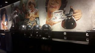 Foto 1 - Interior di Everjoy Coffee & Cafe - Hotel Ivory oleh Nadia Indo