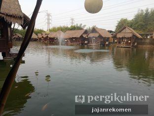 Foto 5 - Eksterior di Talaga Sampireun oleh Jajan Rekomen