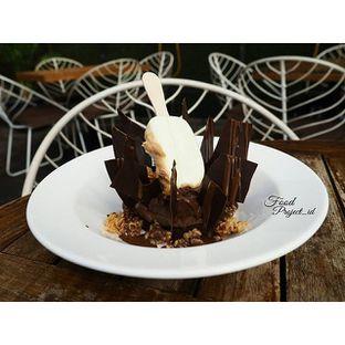Foto - Makanan(Chocolate mousse cake) di Magnum Cafe oleh IG = @FOODPROJECT_ID