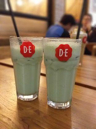 Foto 2 - Makanan(Green Tea Latte) di Douwe Egberts oleh Qorry Ayuni