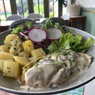 Foto 4 - Makanan(Pan seared chicken) di Mangia oleh Pengembara Rasa