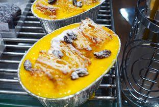 Foto 4 - Makanan di Golden Egg Bakery oleh iminggie