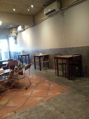 Foto 8 - Interior di Kedai Roti Kobi oleh duocicip