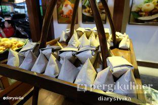 Foto 4 - Interior(nasi kucing) di Angkringan Kapok Lombok oleh diarysivika