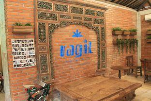 Foto 22 - Interior di Ragil Coffee & Roastery oleh Prido ZH